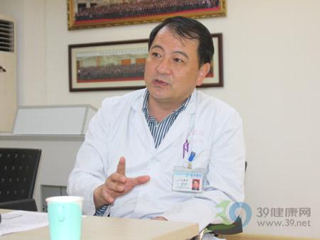 """南方医院肾内科副主任刘郑荣:""""肾活检""""是诊断肾脏疾病的金标准"""