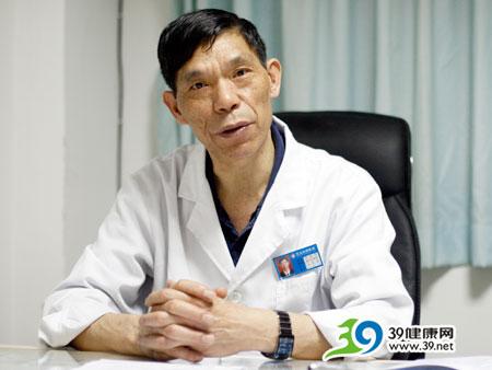 东大肛肠医院闫金明:轻微痔疮也该及时诊治