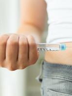 如何使用胰岛素专用注射器注射胰岛素