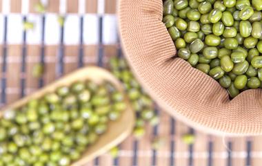 薄荷绿豆汤的做法步骤1:准备材料