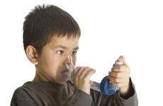 """小孩得哮喘的背后,两大原因在""""作祟""""!"""