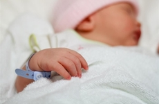新研究揭示女性受孕年龄背后的机制