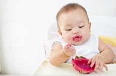 婴儿吃完奶打嗝怎么回事 婴儿吃完奶打嗝怎么办