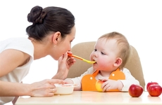 宝宝总是便秘怎么办?两种方式可改善