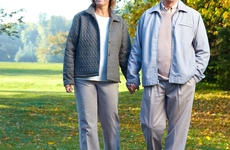 警惕颅脑损伤:老年人骑电动三轮车一定要小心!