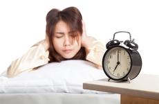 早上起床后别做5件事,会让身体很受伤