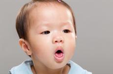 宝宝手肿得跟馒头一样是怎么回事 为什么宝宝会出现手肿