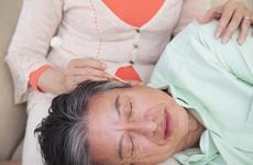 """健康公开课:深夜虫子爬进耳朵,如何赶出""""不速之客""""?"""