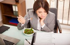 饮食习惯误导减肥群众,只吃水果变得越来越胖