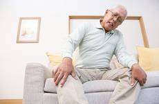 老年人膝盖骨质增生怎么办?