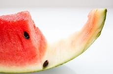夏天吃西瓜别扔皮,还可以这样吃