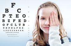 关于孩子视力的一些真相,爸妈要警惕了,变成高度近视就很遗憾