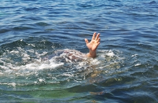 """儿童溺水后用""""倒背控水""""急救?不靠谱!正确的急"""