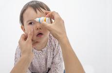 宝宝老翻白眼和斜眼是怎么回事?1种情况需就医
