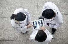 七部委发文!定向医学生出台新文件,关于待遇、晋升、履约……