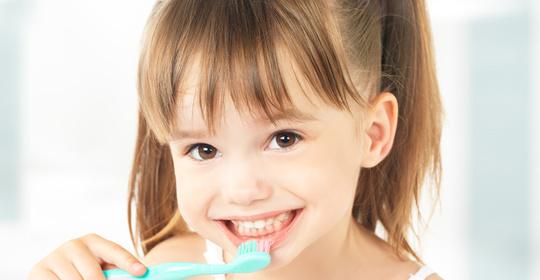"""孩子天天刷牙,为什么还是长""""蛀牙""""?"""