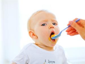 一岁前宝宝的辅食该这样吃,很多家长都做错了!