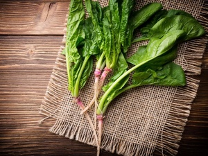 4种蔬果吃出无斑美肤