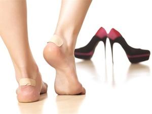 女人穿高跟鞋更自信,但这三个伤害是日积月累的,劝你别不以为意