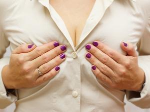 胸小的女性不容易得乳腺疾病?