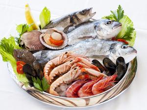 吃海鲜,除了防过敏还应注意这3个问题