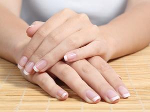 指甲里的半月痕消失代表什么