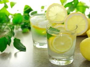 柠檬蜂蜜减肥法靠谱吗