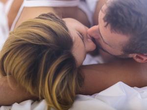 女生接吻时的生理反应