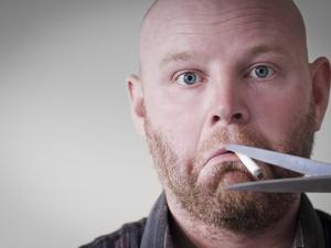 老烟民突然戒烟,是好是坏?医生提醒:这几个症状不用怕