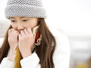 """冬天手脚冰凉是怎么回事?教你辨别""""危险的""""手脚冰凉!"""