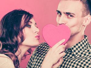 女生接吻时会有哪些生理反应