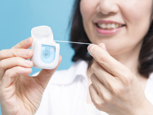牙线有毒?那还能用吗?