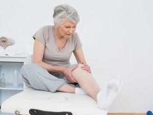 老人家腿脚不利索,谨防退行性膝关节炎