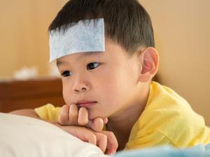 孩子发烧能用退热贴吗?如何预防孩子发烧?
