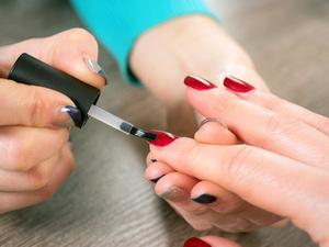 美人计:保养指甲这样做才对!