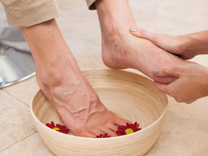瘦腿怎么做?泡脚管用吗?