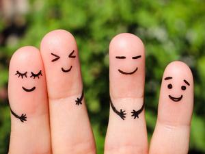 手指掰得直作响,会导致关节炎?