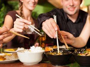 吃得越饱,死得越早,有没有科学依据?研究结果显而易见