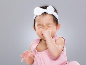 这几种行为伤宝宝耳朵,很多爸妈都做过