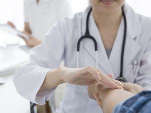 体检巨头老总曝光行业丑闻:护士假冒超声医生,抽血直接倒掉出假报告