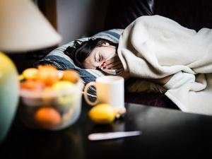 几片感冒药,吃出肝衰竭?提醒:服用感冒药,别犯3个错误