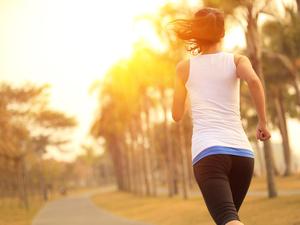 夜跑vs晨跑,哪个更有益?科学家道出了真相