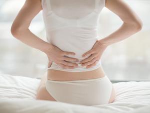 女人经常腰酸背痛别大意 或是盆腔炎作祟!
