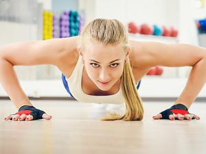学生做俯卧撑瘫痪!俯卧撑还能是运动减肥的首选吗
