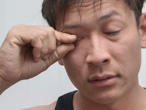 眼睛长肿瘤有什么症状