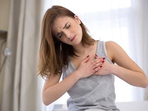 心肌缺血的早期症状有哪些?胸骨疼痛也与心脏有关!