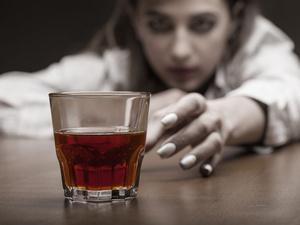 """喝酒""""断片""""是怎么回事?失去的记忆还能找回来吗?"""