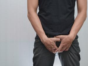 睾丸两侧大腿根部痒是怎么回事?