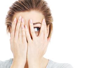 一到秋天眼睛就干涩?如何有效改善眼睛干涩?