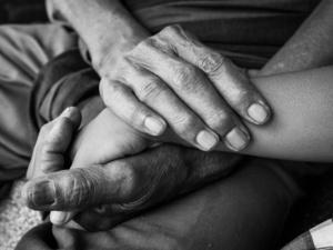 老年人有性生活就是不害臊?其实,老年人也可以拥有甜蜜性生活
